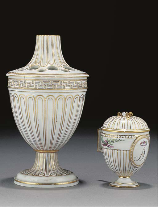 A Meissen bough pot and cover