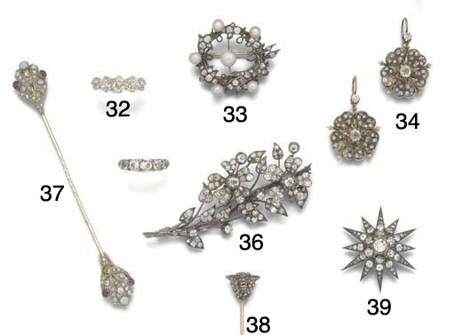 A Victorian diamond garland br