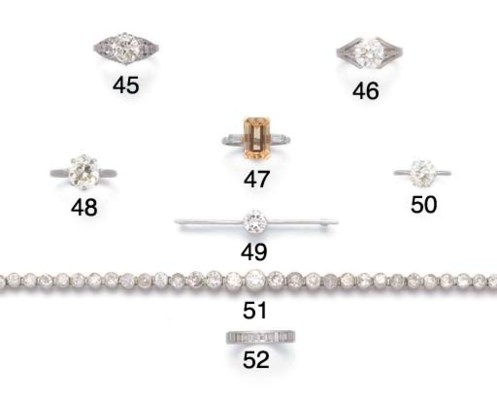 A diamond single stone bar bro