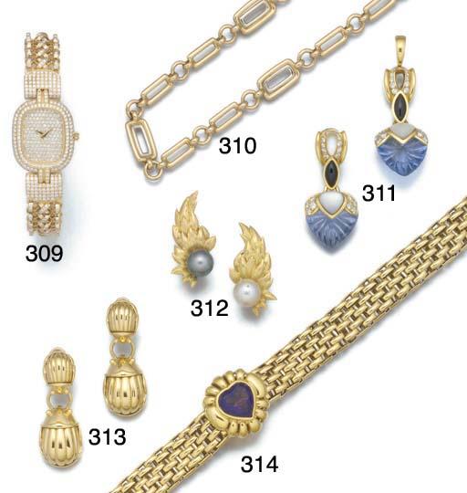A lady's diamond bracelet watc