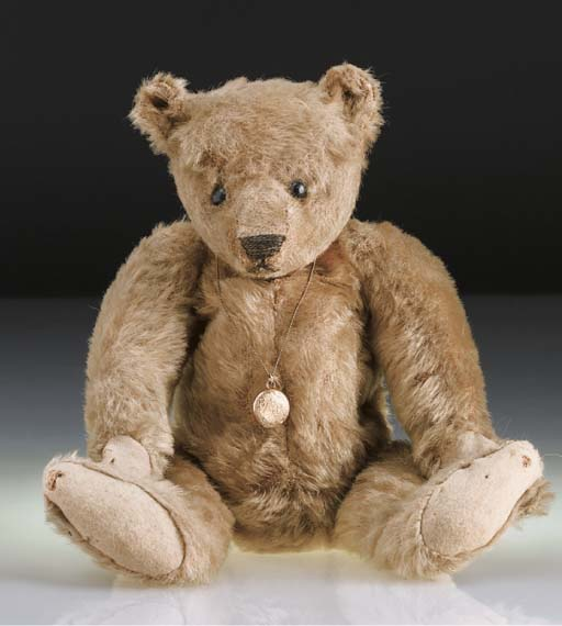 'Sara', a Steiff teddy bear