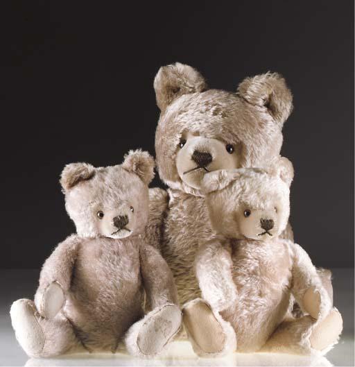A Steiff 1960s teddy bear