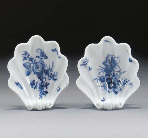 Two Meissen blue and white she