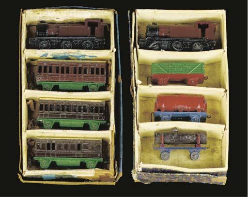 Pre-war Dinky lead trains