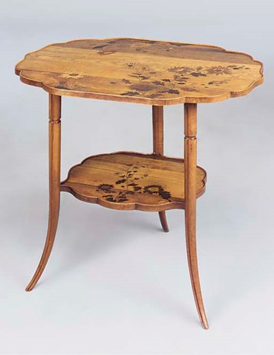 A BEECHWOOD OCCASIONAL TABLE