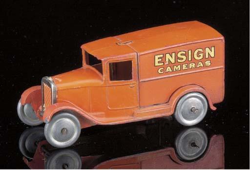 A pre-war Dinky lead 28e 'Ensi