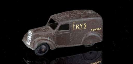 A pre-war Dinky 3rd type 28s b