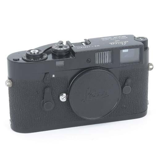 Leica M2 no. 1037972