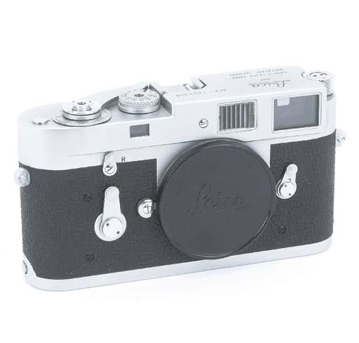 Leica M2 no. 1053956