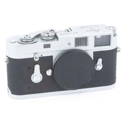 Leica M2 no. 1074678