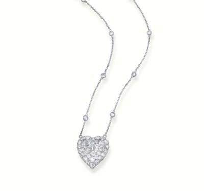 A DIAMOND HEART PENDANT