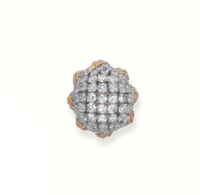 A BOMBE DIAMOND RING