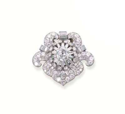 A DIAMOND CLIP BROOCH/PENDANT,