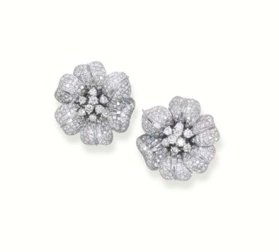 A PAIR OF DIAMOND FLORAL EAR C