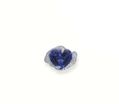 A TANZANITE AND DIAMOND RING,