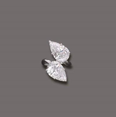 AN IMPORTANT DIAMOND CROSS-OVE