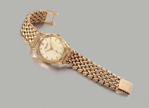 Patek Philippe. A rare and unusual 18K pink gold wristwatch with moulded lugs and 14K pink gold bracelet by Gay Frères