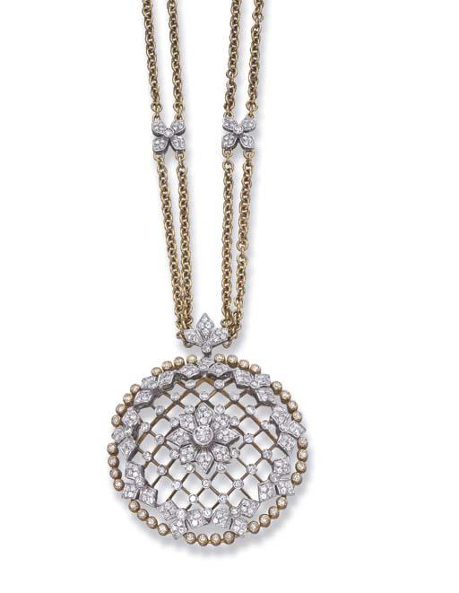 A DIAMOND PENDENT NECKLACE