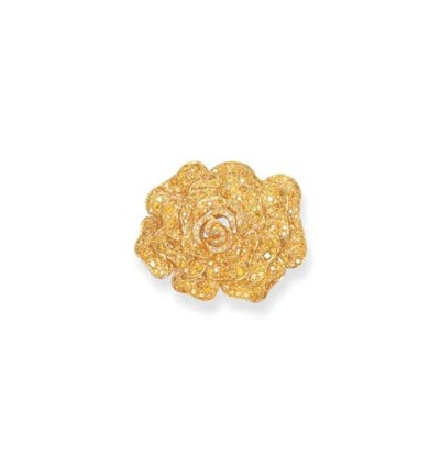 A YELLOW DIAMOND FLORAL BROOCH