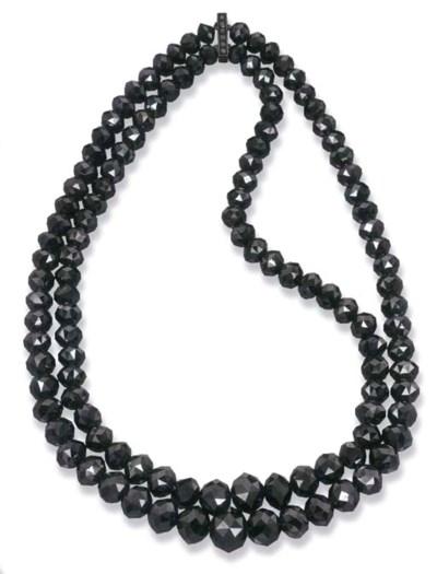 A BLACK DIAMOND BEAD NECKLACE