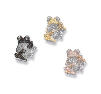 A SET OF THREE DIAMOND FROGS
