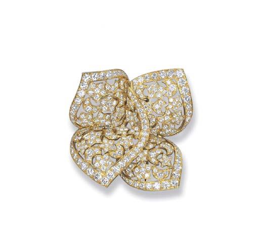 A DIAMOND 'SIRIUS' BROOCH, BY VAN CLEEF & ARPELS
