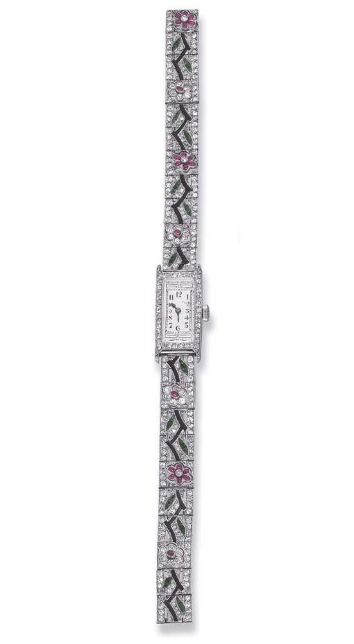 AN ART DECO DIAMOND WRIST WATC