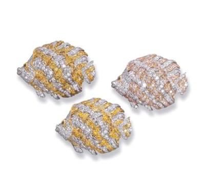 A SET OF THREE DIAMOND AND YEL
