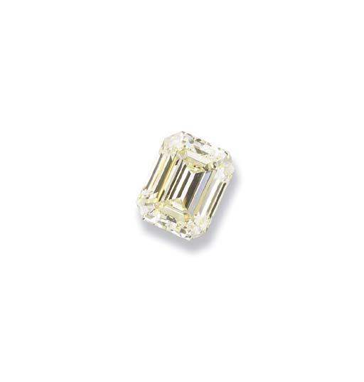 AN IMPRESSIVE UNMOUNTED LIGHT YELLOW DIAMOND