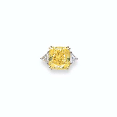 A FANCY VIVID YELLOW DIAMOND A