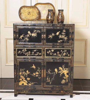 A CHINOISERIE BLACK LACQUERED