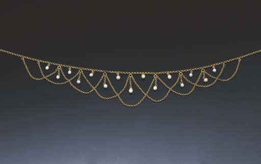 AN EDWARDIAN GOLD AND PEARL FR