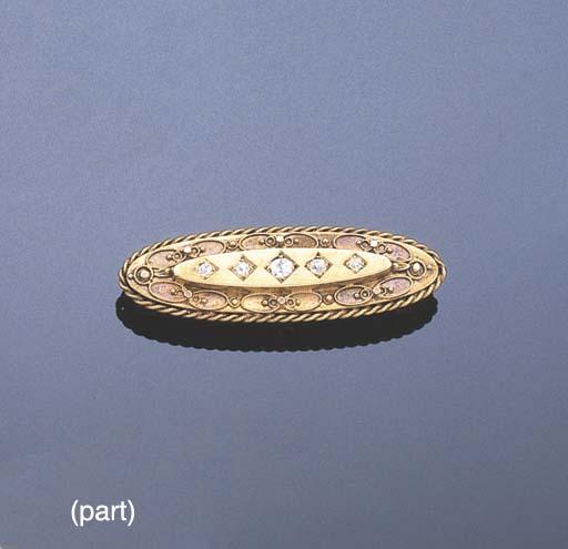 A VICTORIAN DIAMOND BAR BROOCH