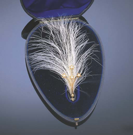 * A PEARL AND FEATHER AIGRETTE