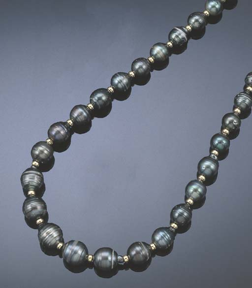 A TAHITIAN GREY PEARL NECKLACE