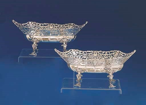 A PAIR OF GEORGE V STERLING SI