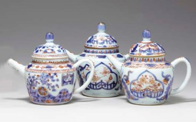 THREE CHINESE IMARI TEAPOTS AN