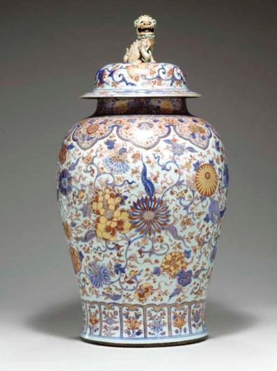 A MASSIVE CHINESE IMARI JAR AN