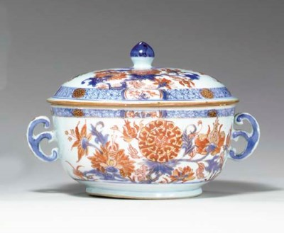 A CHINESE IMARI ECUELLE AND CO