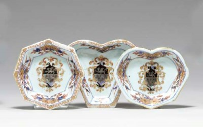 FIVE ARMORIAL SWEETMEAT DISHES
