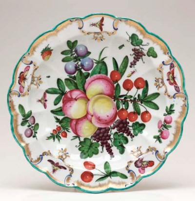 A WORCESTER CIRCULAR DISH FROM