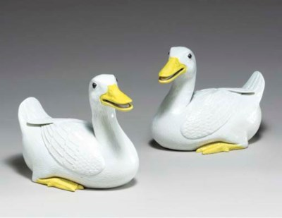 A PAIR OF CHINESE WHITE DUCKS