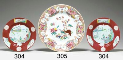 A PAIR OF RUBY-GROUND PLATES