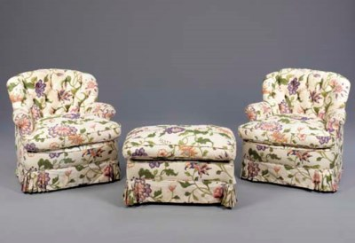 A PAIR OF UPHOLSTERED BOUDOIR