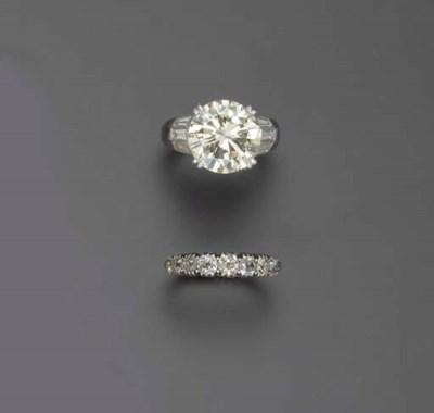 A SET OF DIAMOND RINGS