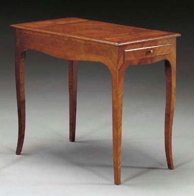 A LOUIS XV KINGWOOD TABLE A EC