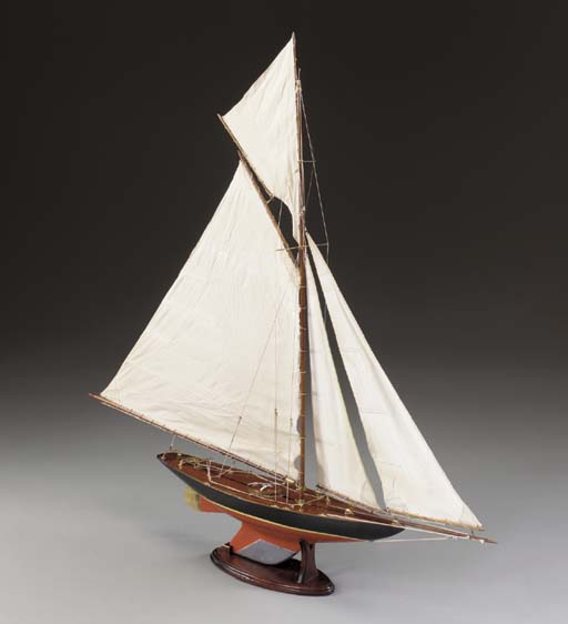 A Pond Model Of The Yacht Flor