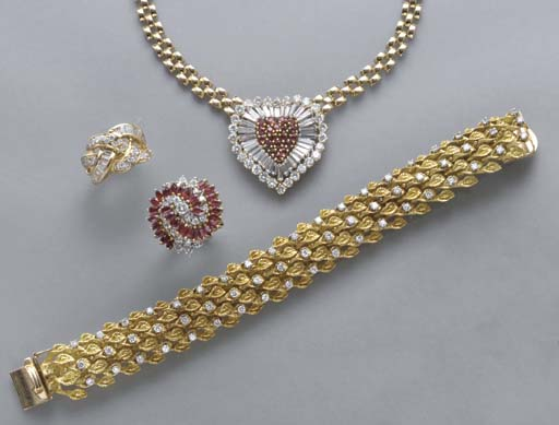 ** A LARGE GROUP OF JEWELRY AN