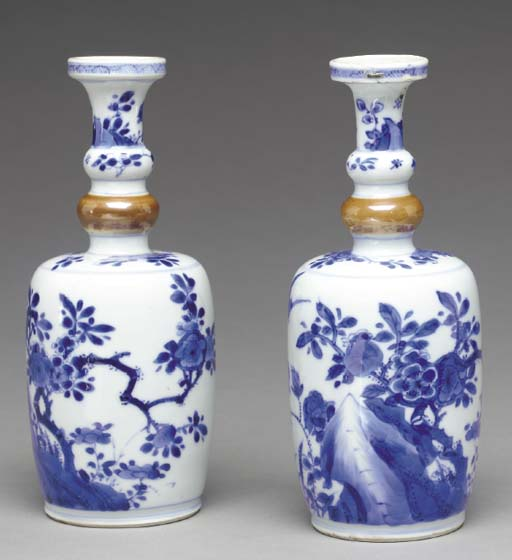 A PAIR OF BLUE AND WHITE AND C