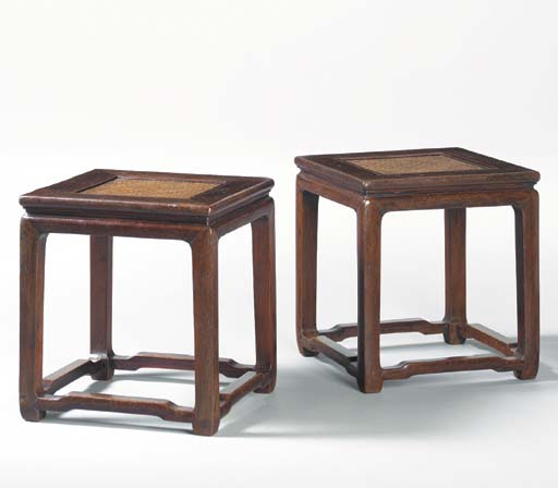 A PAIR OF HETAOMU SQUARE STOOL